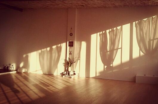 evolve yoga. Black Bedroom Furniture Sets. Home Design Ideas